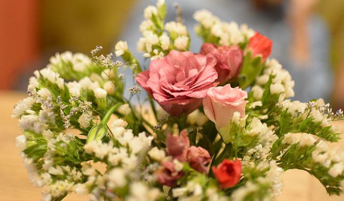 گل عیادت از بیمار