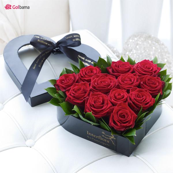 12 گل رز و یک سبد گل عاشقانه